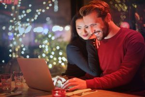 How to avoid scams during the holiday season